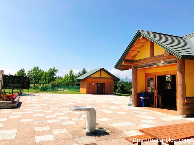 丘珠空港緑地パークゴルフ場のクラブハウス周辺