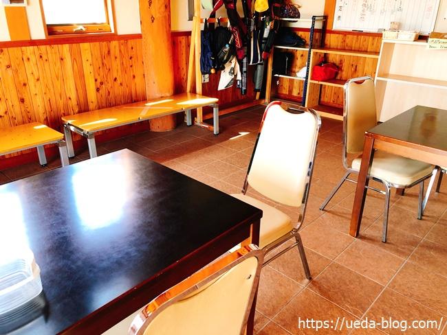 クラブハウス内の休憩所
