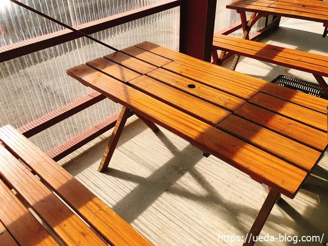 綺麗な椅子とテーブル