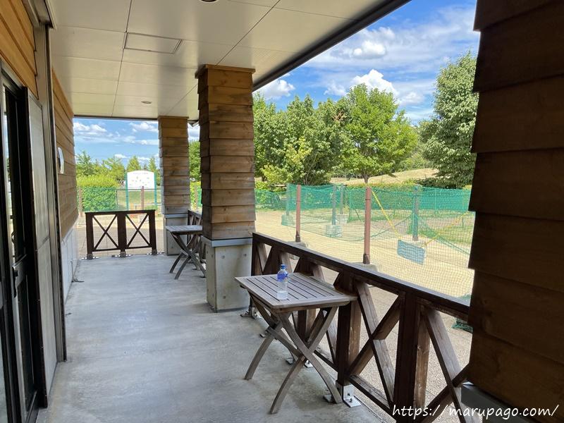 前田森林公園パークゴルフ場 休憩用テラス