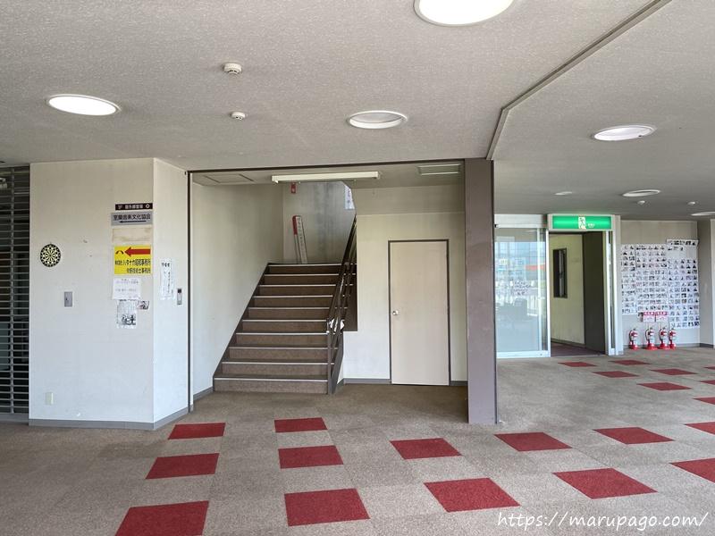 2階がジュンスポーツの売り場